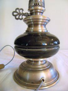 Lampe électrique adapté à une lampe pétrole