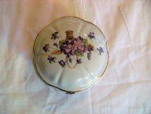 Bonbonnière porcelaine de limoges signée motif
