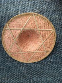 Grand chapeau asiatique vintage rotin
