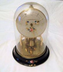 Pendule clock sous cloche en verre thorminona