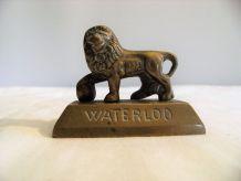 Statuette en bronze lion de Waterloo napoléon