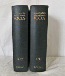 Lot 2 volumes FOCUS Encyclopédie Internationale