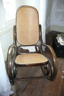 Rocking chair bois et vanerie cannée