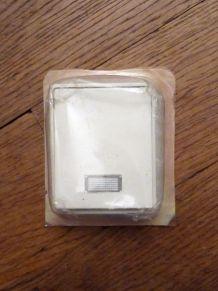 Interrupteur Bouton Poussoir Rectangulaire Blanc - Legrand