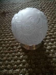 art déco lampe boule en verre moulé - abat jour- décor fleur