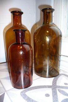 Bouteilles flacons anciens pharmacie marron en verre