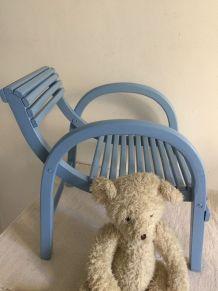Fauteuil d'enfant ancien, belle assise
