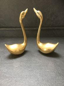 Couple de cygnes en laiton doré