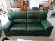 Beau canapé plus 2 fauteuils en cuir vert anglais