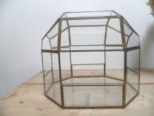 vitrine ou serre en verre et laiton