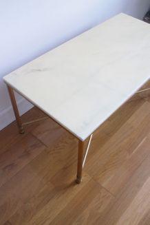 Table basse en marbre pieds en laiton dorés