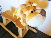 Cheval à bascule en bois pour bébé