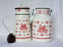 Cafetière émaillée rouge et blanche - Pot à lait émaillé.
