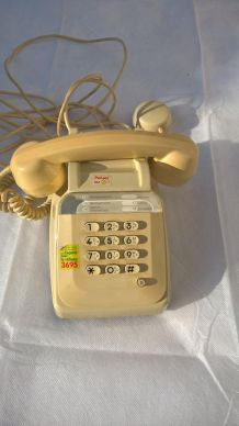 telephone a touches