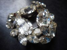 Broches  couronne Gros STRASS