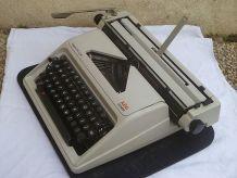 Machine à écrire Olympia AEG Régina de Luxe + valise
