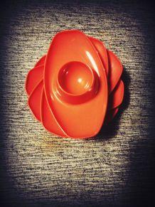 vintage coquetiers plastique orange empilables design RDA