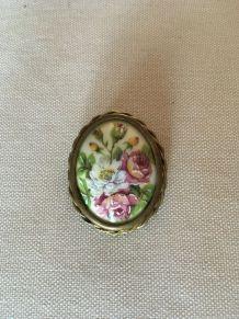 Broche vintage porcelaine de Limoges