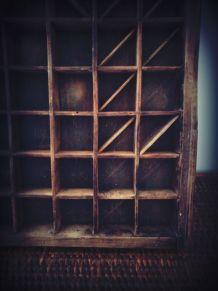 vintage casier imprimeur en bois brut ancien