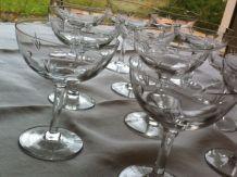 Lot de 11 coupes à champagne Années 60