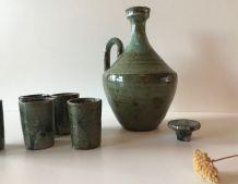 Service à liqueur ancien en grès vert
