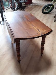 table louis philippe  pied tourner
