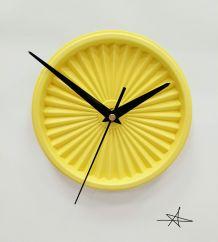 """Horloge vintage, pendule """"Tupperware Jaune Clair"""""""
