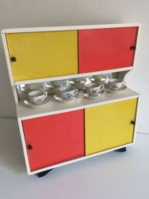 Jouet ancien - Petite armoire vintage poupée