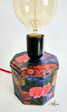"""Lampe vintage, lampe de bureau, lampe de chevet - """"Flower Po"""