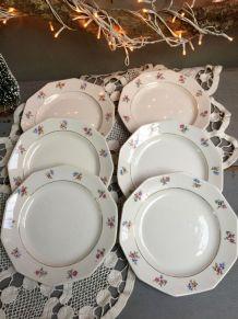 6 assiettes en porcelaine de St Amand