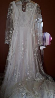 464bdf1912a Robe de mariée d occasion pas chère ou vintage – Luckyfind