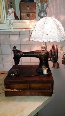 Lampe design SINGER