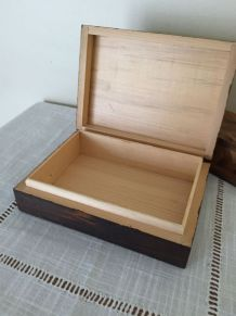 Boîte bois scupltée main