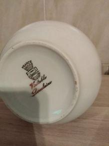 Cruche en véritable porcelaine de chauvigny