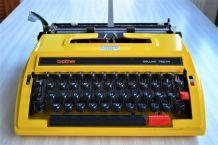 Machine à écrire portative BROTHER Deluxe - vintage 1970s
