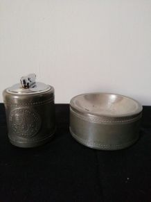 Briquet de table et cendrier