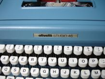 Machine à écrire olivetti studio 46