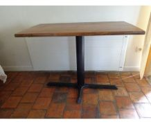 Table industrielle bistrot