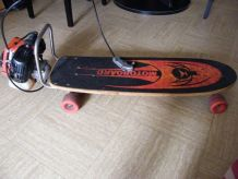 SKATEBOARD CALIFORNIEN A MOTEUR 1970