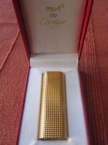 Superbe briquet Cartier plaqué or