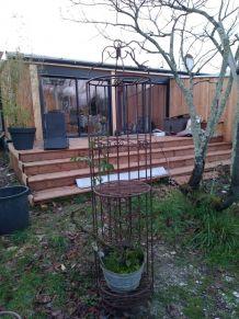 étagère pour plantes en métal