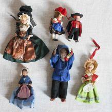 poupées miniatures costumes traditionnels