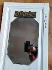 vestiaire avec miroir (porte recylée)