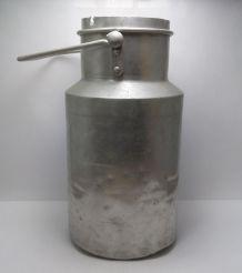 Ancienne cruche à lait