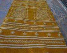 Tapis jaune et blanc en pure laine 105cm*60cm