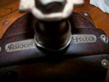 moulin à café Peugeot bois et métal