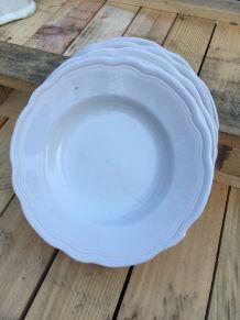 Lot de 5 assiettes creuses blanches anciennes
