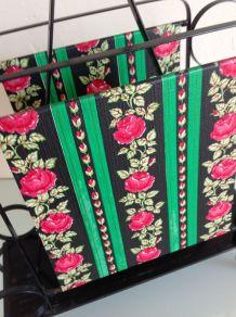 Porte revue en fer noir et habillage floral / vintage années