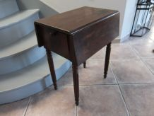 """Table de chevet Louis Philippe dite """"chauve souris"""""""