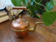 Grande théière ancienne cuivre & laiton